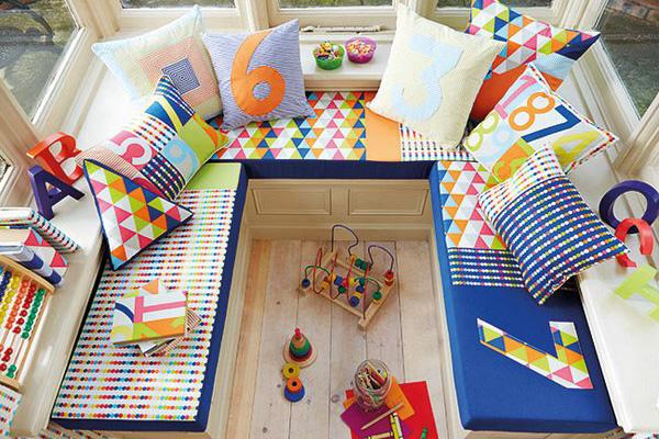 Детская игровая зона на балконе