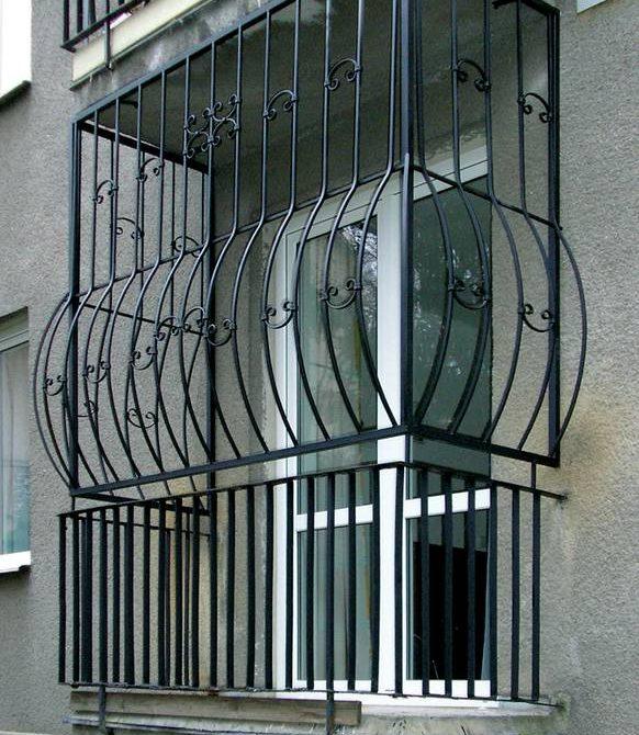 Металлические решетки на балкон