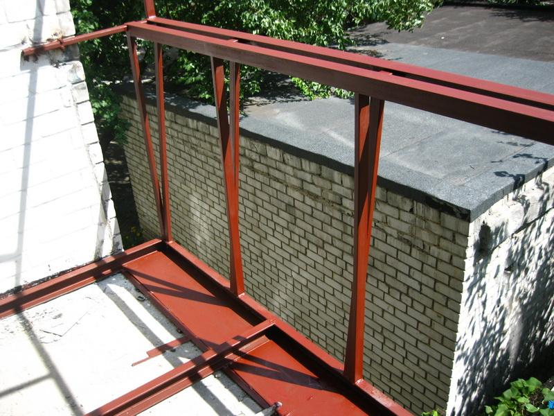 Усиление балконной плиты - монтаж нового парапета с выносом