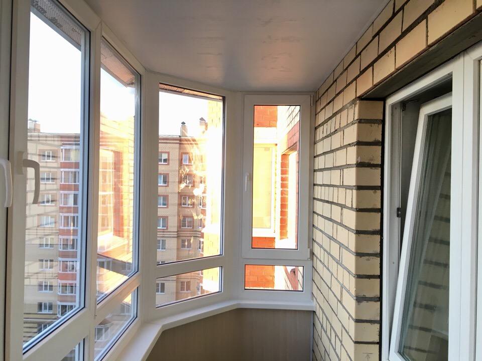 Остекление эркерного балкона с выносом