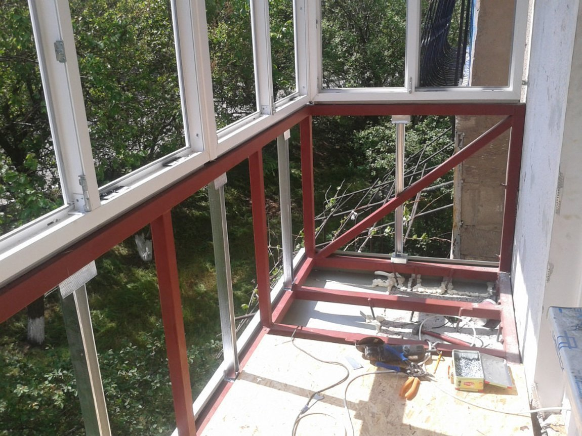Усиление парапета балкона